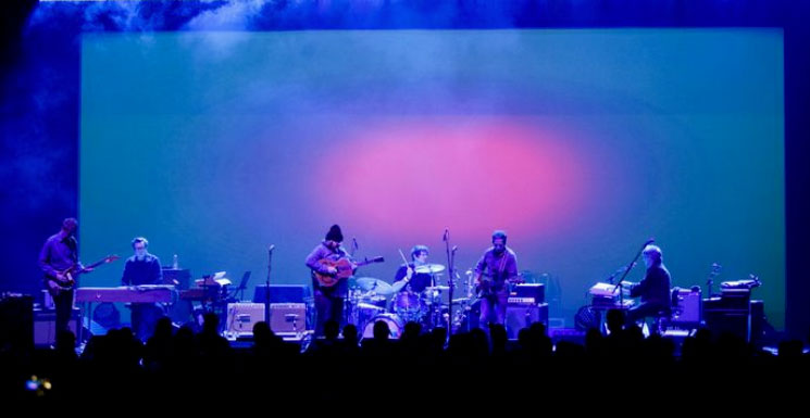 Wilco, Jeff Tweedy go inside the music at its 'Winterlude' residency at the Chicago Theatre